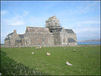 Isle of IONA accommodation & transport near Mull, Scotland