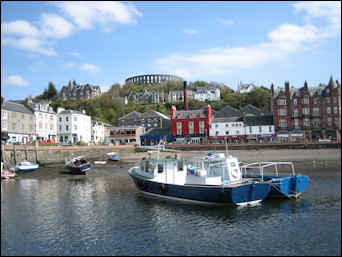 Oban harbour & Distillery