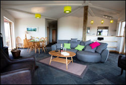 Coillabus lounge